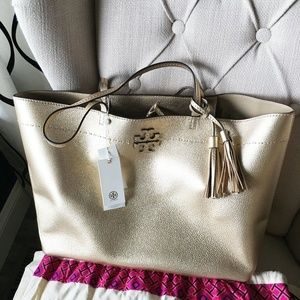 TORY BURCH MCGRAW METALLIC TOTE IN GOLD